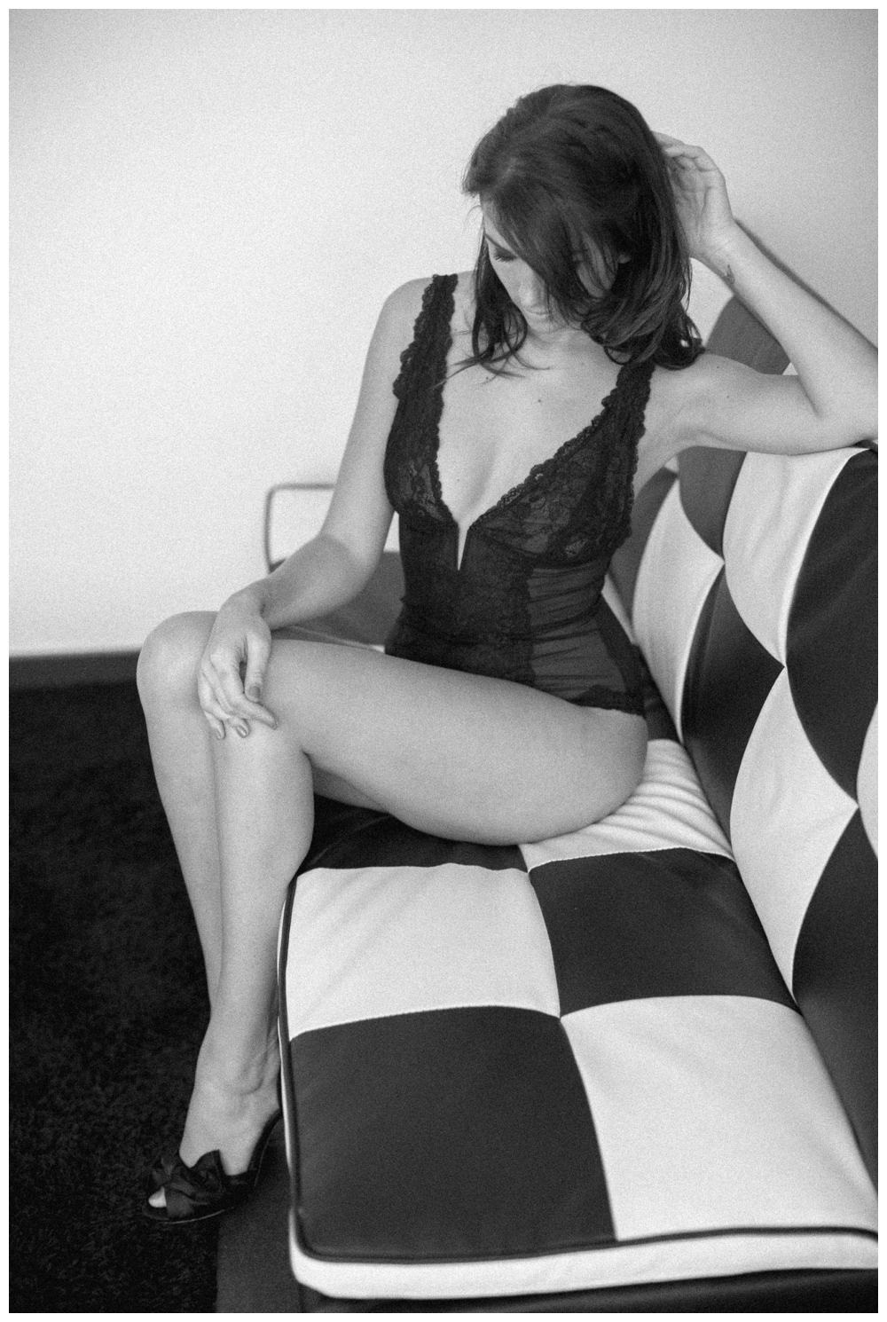 Rock chique boudoir reportage in Sint-niklaas door Revealed Photography